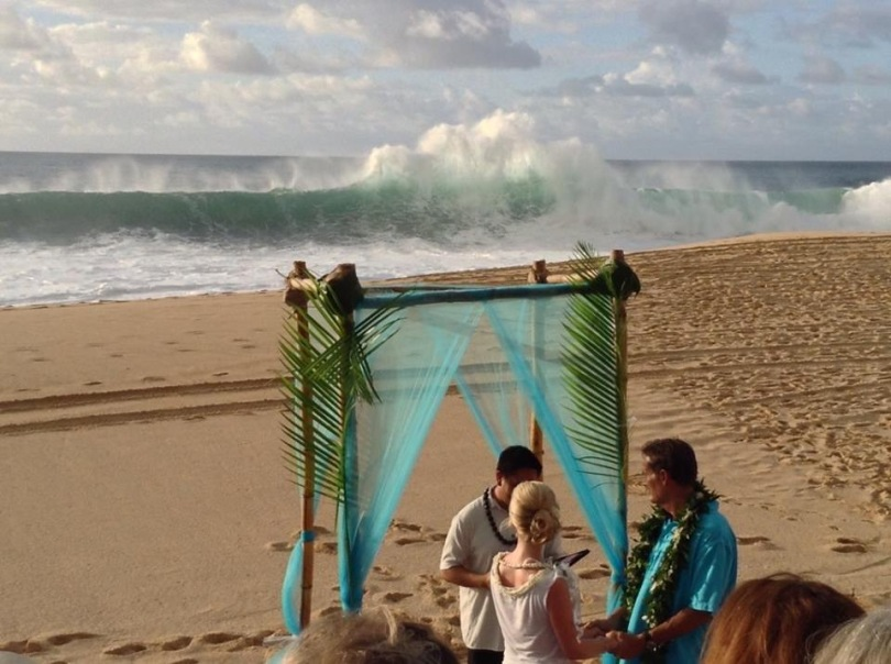 Waves crashing during the ceremony on Ke Iki beach, North Shore, Oahu, Hawaii