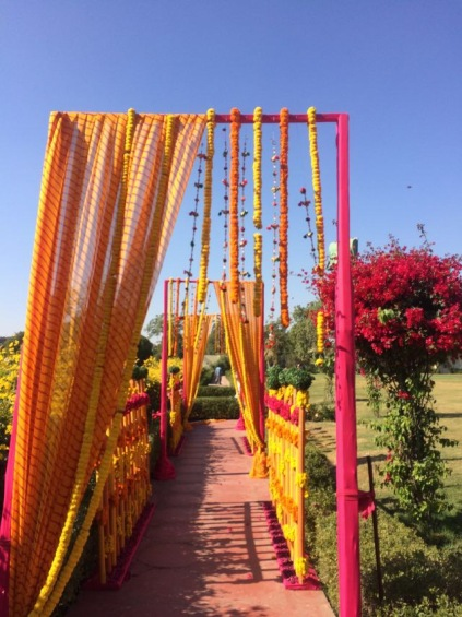 Entrance to the Mehendi