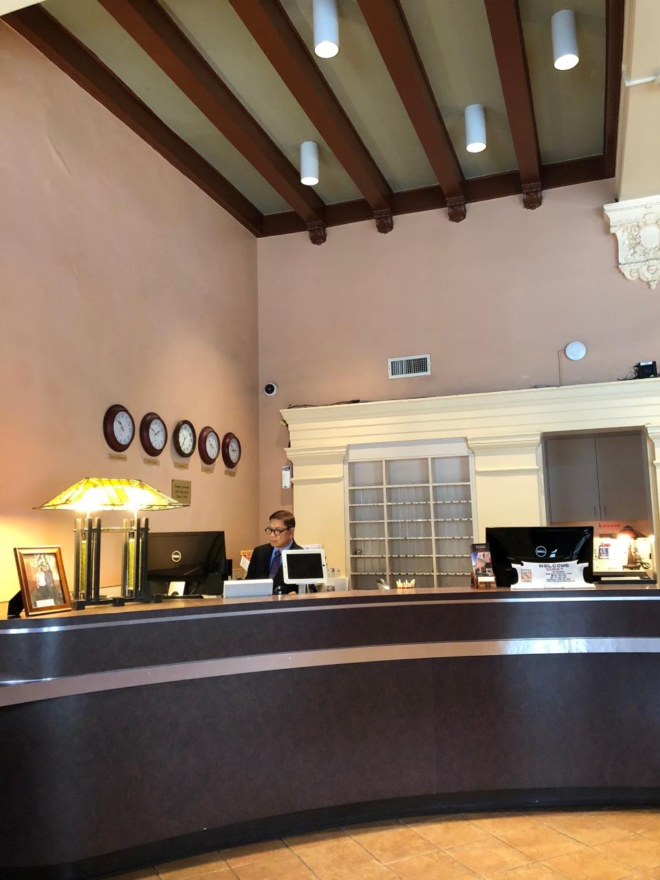 Hotel Carmel in Santa Monica